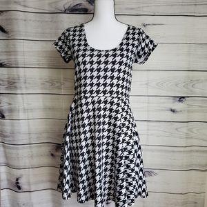 Rue 21 Medium Short Sleeve Dress/279